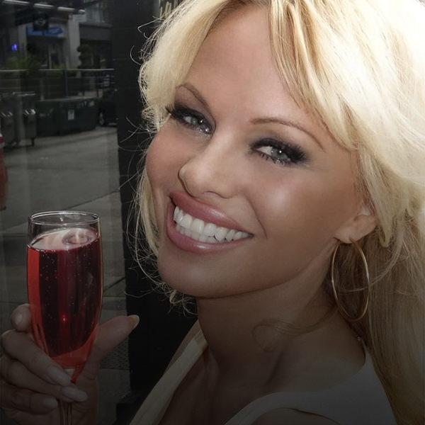 Pamela Anderson Capa