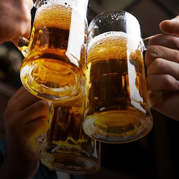 brasileiros bebem mais cerveja